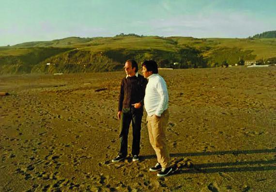 O autor deste texto e Chögyam Trungpa Rinpoche, em Jenner , Califórnia, durante um retiro de três semanas na primavera de 1971 .